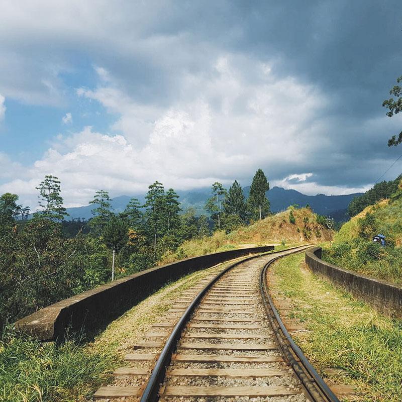 Railway tracks at Ella, Sri Lanka. | www.achronicvoice.com