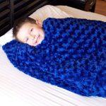 Huggaroo 7lb Weighted Blanket/Throw